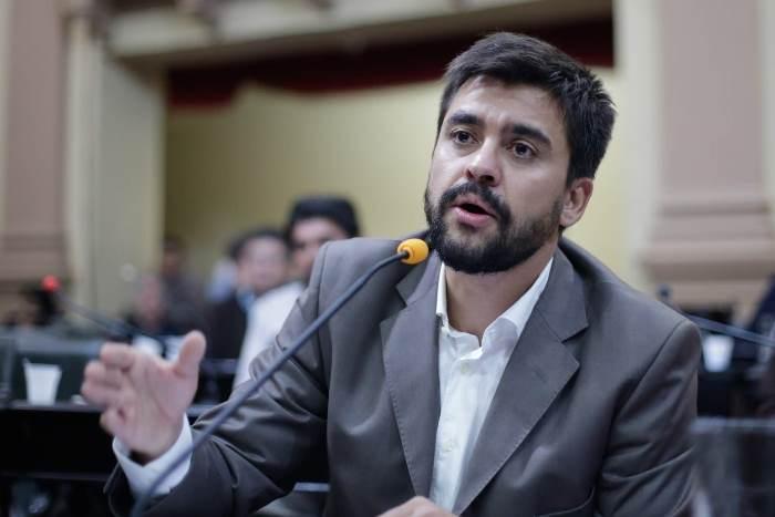 Diputado del FdT aseguró que no se puede nacionalizar