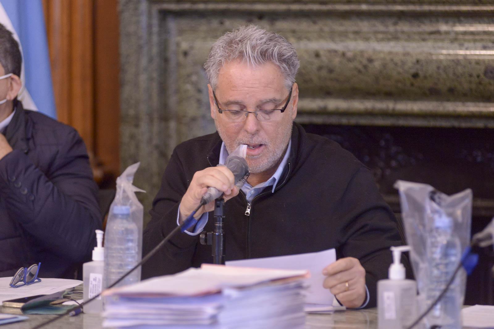 Munición gruesa en el debate parlamentario por el convenio con IRSA