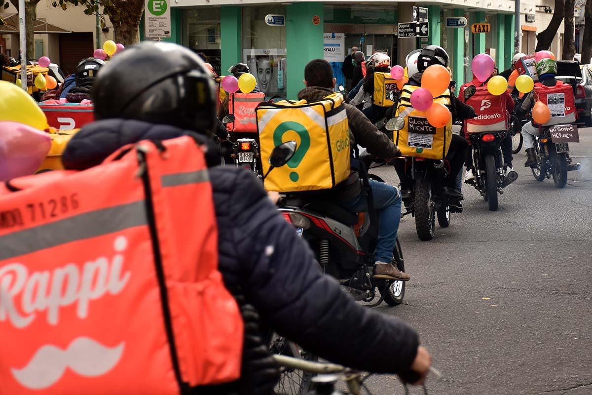 Fernández Sagasti busca regular a las empresas de delivery
